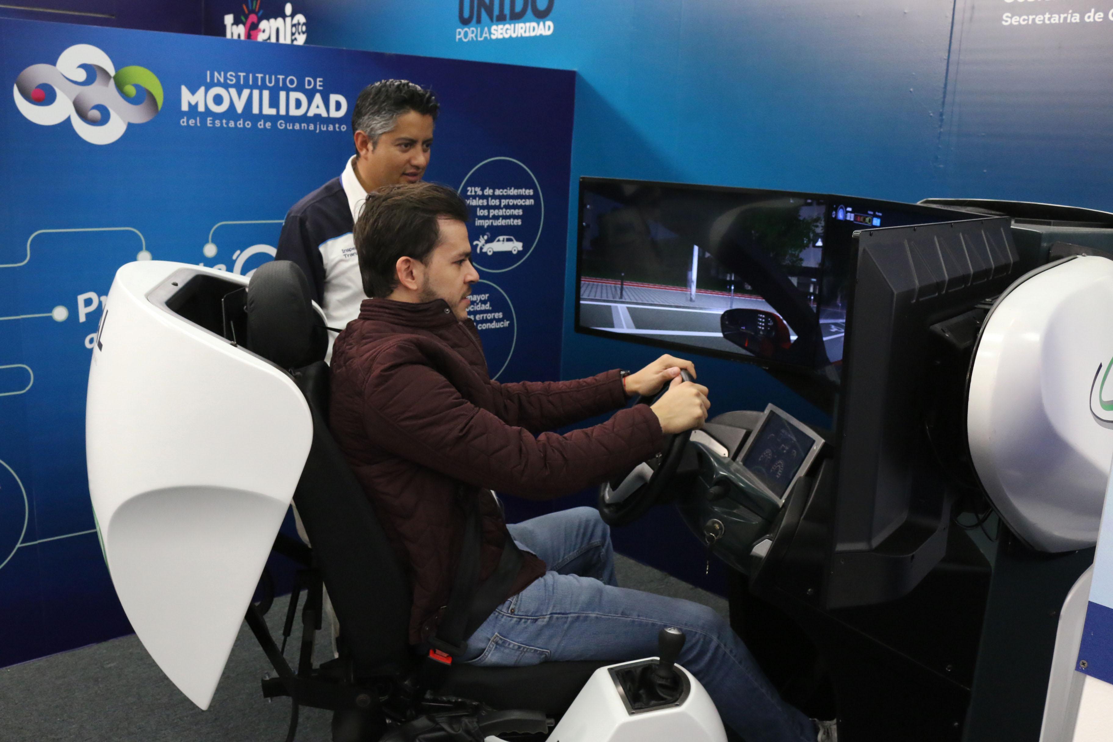 simulador-vehiculos-ligeros-simescar-silver-en-la-direccion-general-de-transporte-del-estado-de-guanajuato